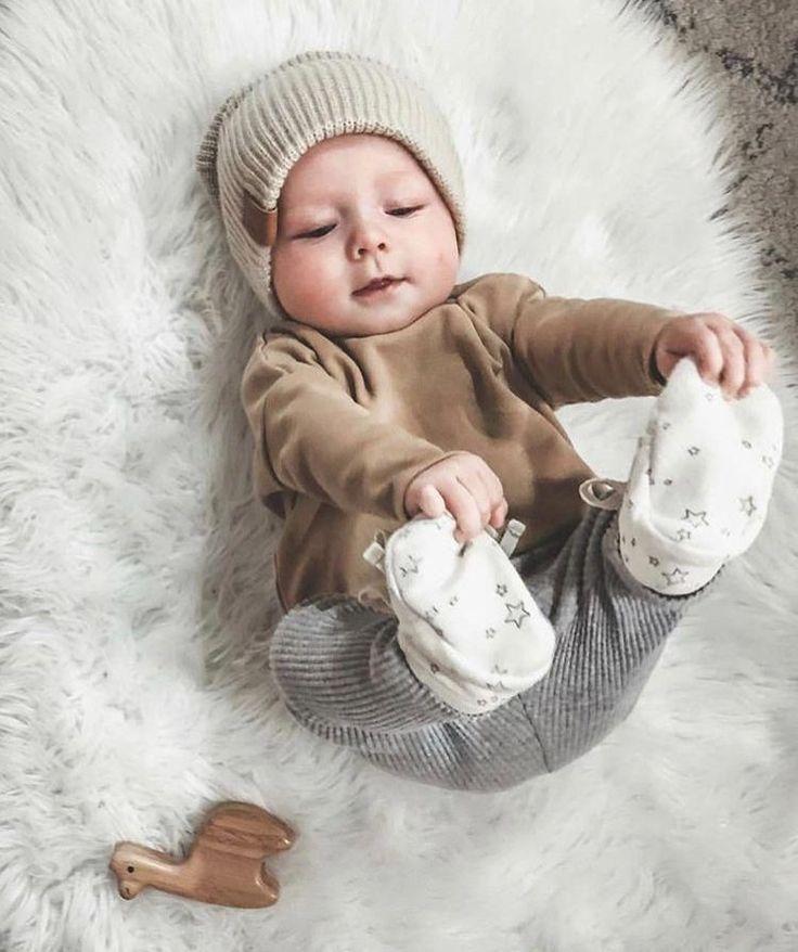 در حین خرید به اندازه لباس نوزاد خود توجه داشته باشید